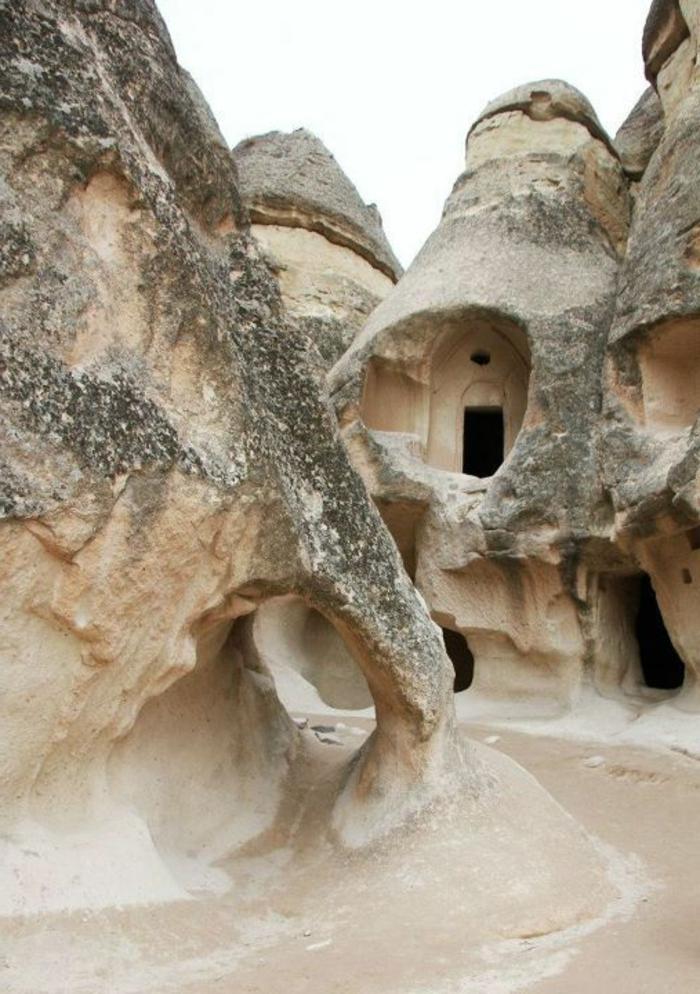 architecture-vernaculaire-maisons-dans-les-pierres