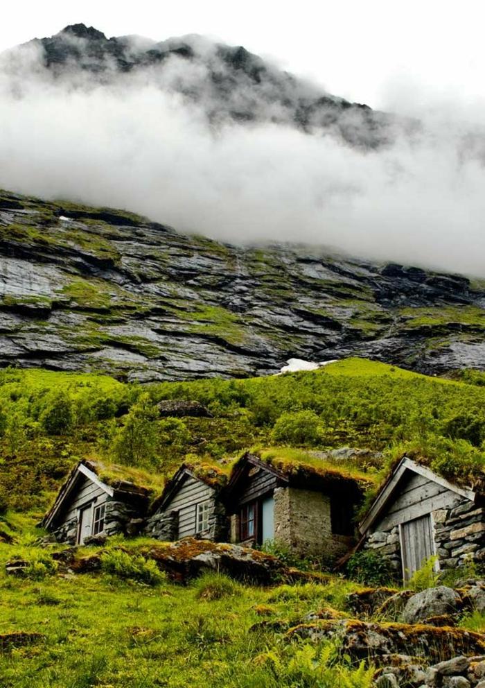 architecture-vernaculaire-maisons-vernaculaires-dans-la-montagne
