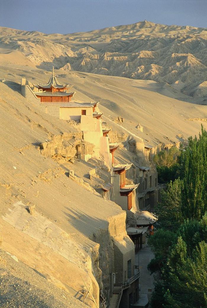 architecture-vernaculaire-temple-intégré-oriental