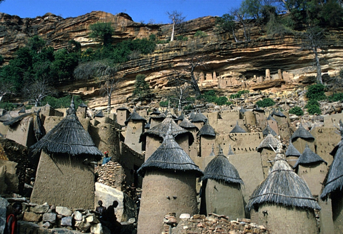 architecture-vernaculaire-village-incroyble-type-vernaculaire