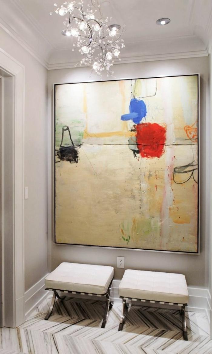 art-abstrait-grande-peinture-abstraite-et-couloir-blanc