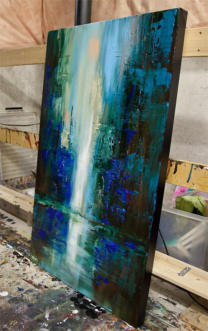 art-abstrait-joli-tableau-en-couleurs-bleues
