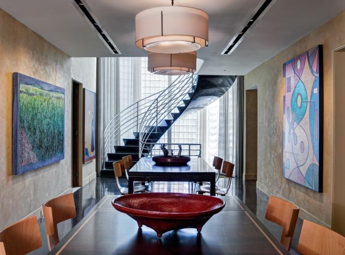 art-abstrait-salle-de-déjeuner-contemporaine-escalier-tournant