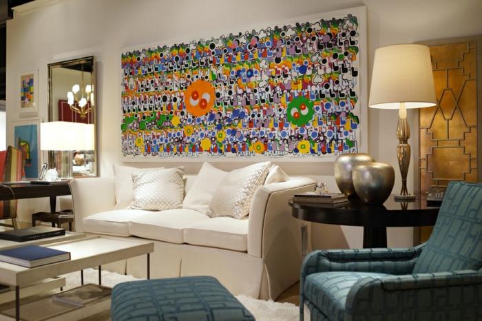 art-abstrait-sofa-et-coussins-en-couleur-crème