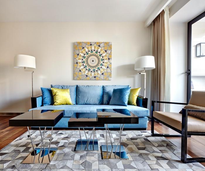 art-idee-deco-toilette-aménagement-peinture-lampe-tapble-noir-laqué-artistique-sofa-bleue