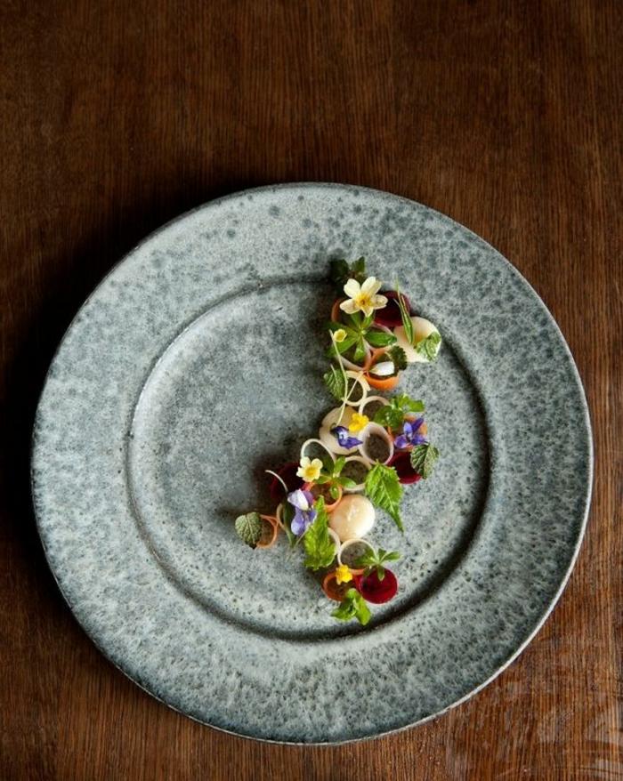 assiette-de-présentation-art-culinaire-sur-assiette