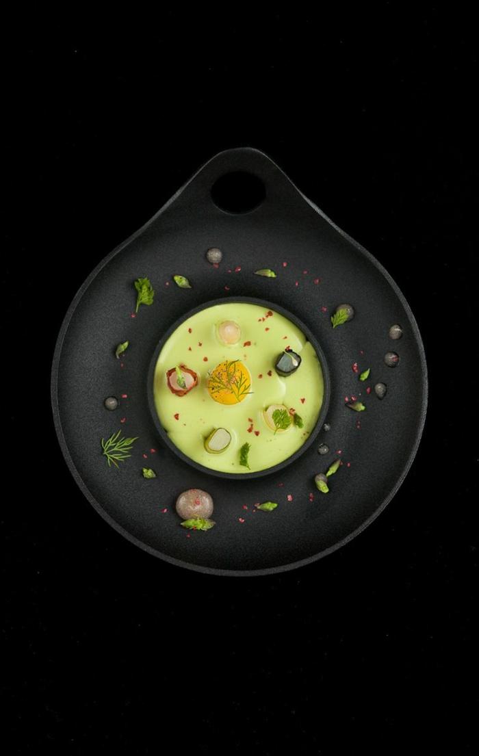 assiette-de-présentation-tentations-culinaires