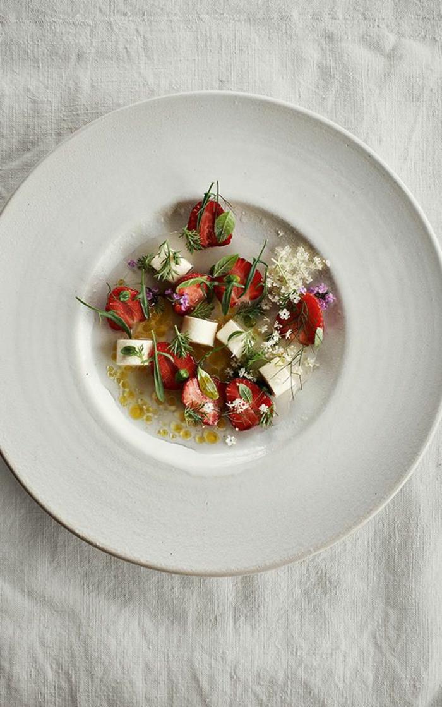 assiette-de-présentation-une-salade-mignonne