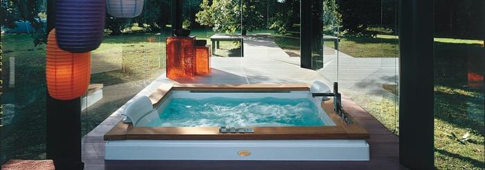 un baignoire balneo jacuzzi balneo