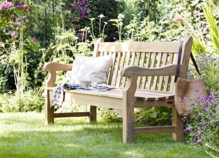 banc-de-jardin-pas-cher-en-bois-clair-pelouse-verte-banc-de-jardin-en-bois-meubles-de-jardin
