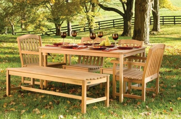 banc-jardin-en-bois-pelouse-verte-meubles-de-jardin-pour-amenager-d-un-mode-originale