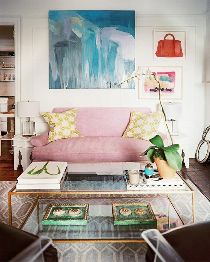 basse-table-de-salon-table-en-verre-plateau-de-table-en-verre-canapé-rose-coussins