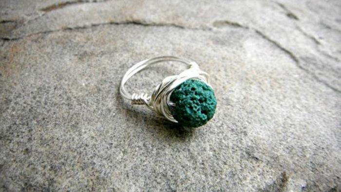 bijoux-avec-pierre-volcanique-bague-fantastique
