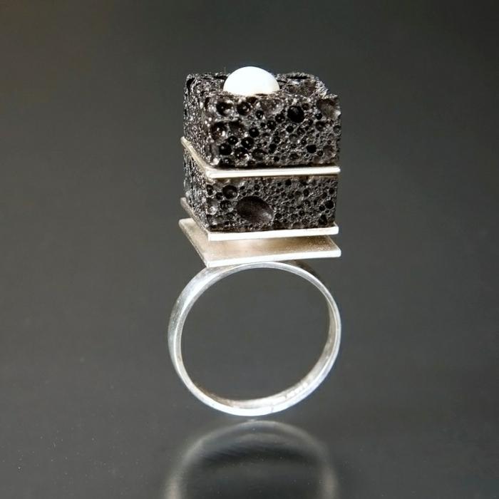 bijoux-avec-pierre-volcanique-bague-volcanique-design-original