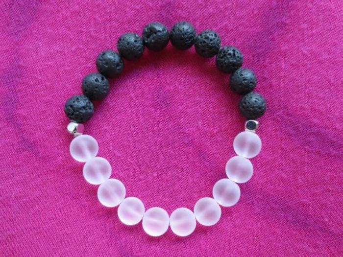bijoux-avec-pierre-volcanique-bracelet-pierre-volcanique-super-joli