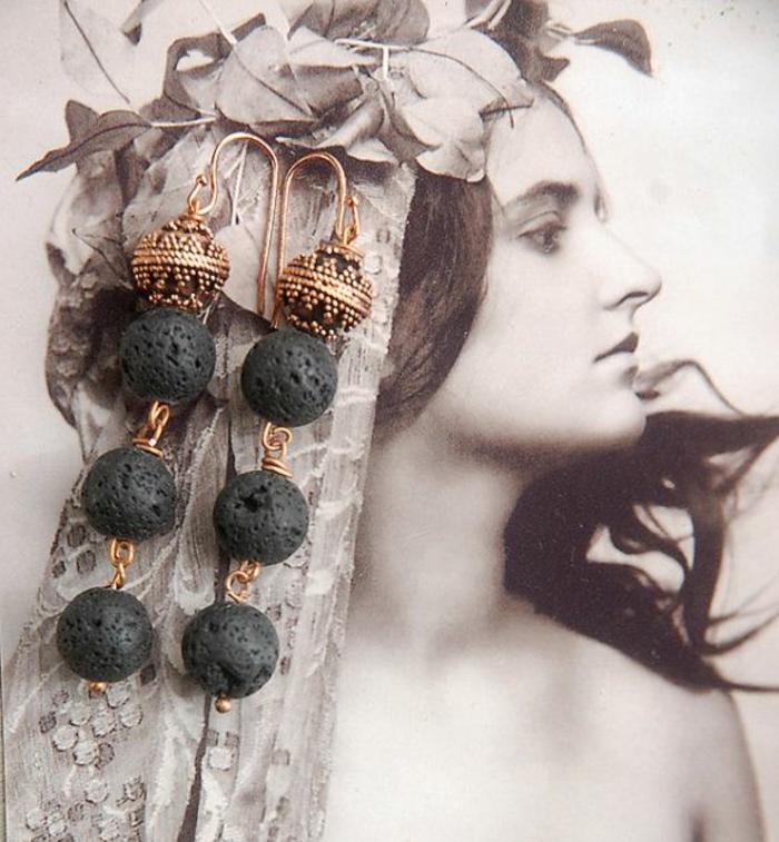 bijoux-avec-pierre-volcanique-trois-pierres-volcaniques
