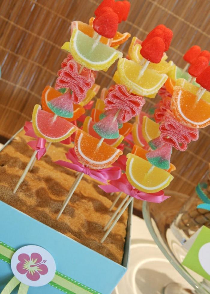bonbon-anniversaire-tentation-sucre-deco-brochette-de-bonbon-coloré