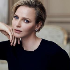 Boucle d'oreille Dior - le cadeau parfait pour la femme stylée