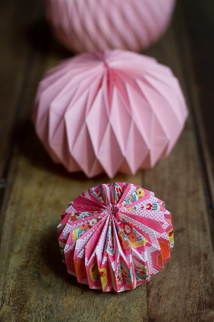 boule-en-papier-boule-chinoise-rose-coloré-boule-en-papier-decoration-rose-coloré