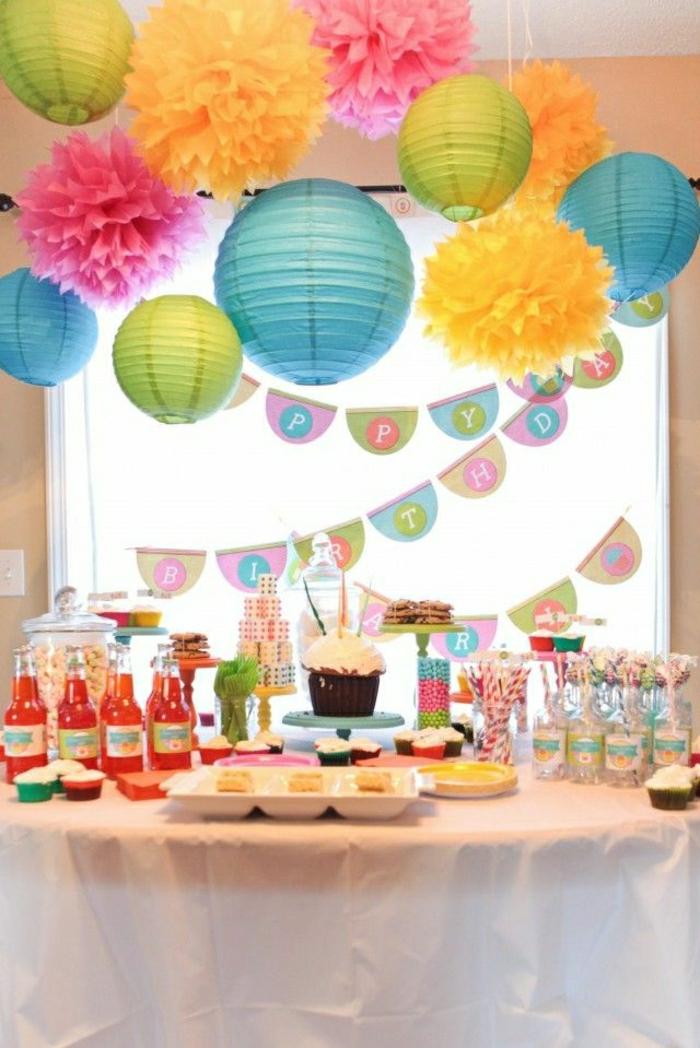boules-chinoises-colorées-decoration-anniversaire-set-de-table-elegante