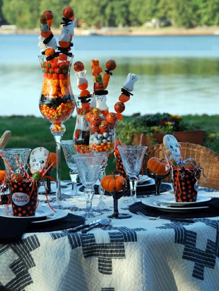 brochettes-bonbons-festive-déco-fête-Bouquet de bonbons idée créative