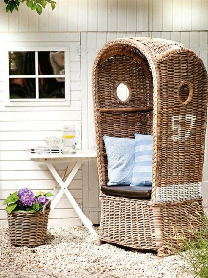 chaise-en-osier-bois-cailloux-blancs-décoration-de-jardin-meubles-en-osier-de-jardin