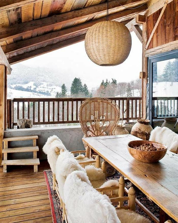 chalet-en-bois-habitable-sol-en-bois-massif-terrasse-extérieur-villa-champetre-dans-la-montagne