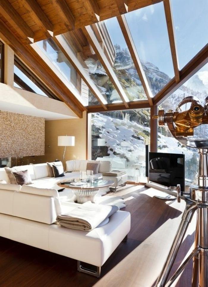 chalet-en-bois-habitable-sol-en-parquet-salon-moderne-toit-en-verre-transparent