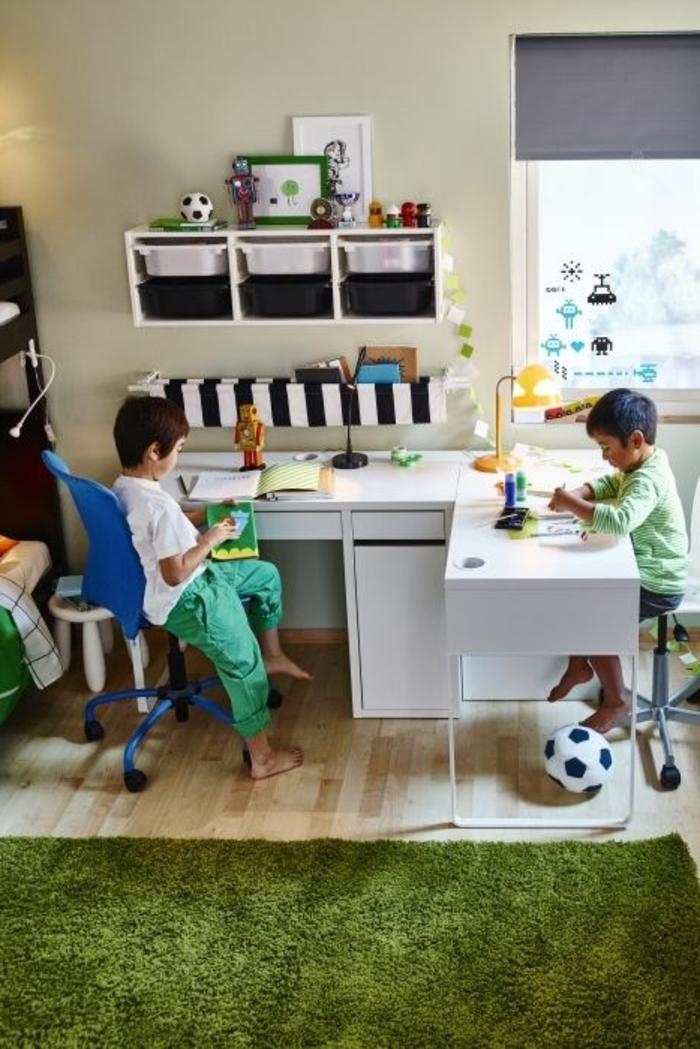 chambre-d-enfant-avec-fasse-pelouse-tapis-de-gazon-synthetique-chambre-pour-les-garçons