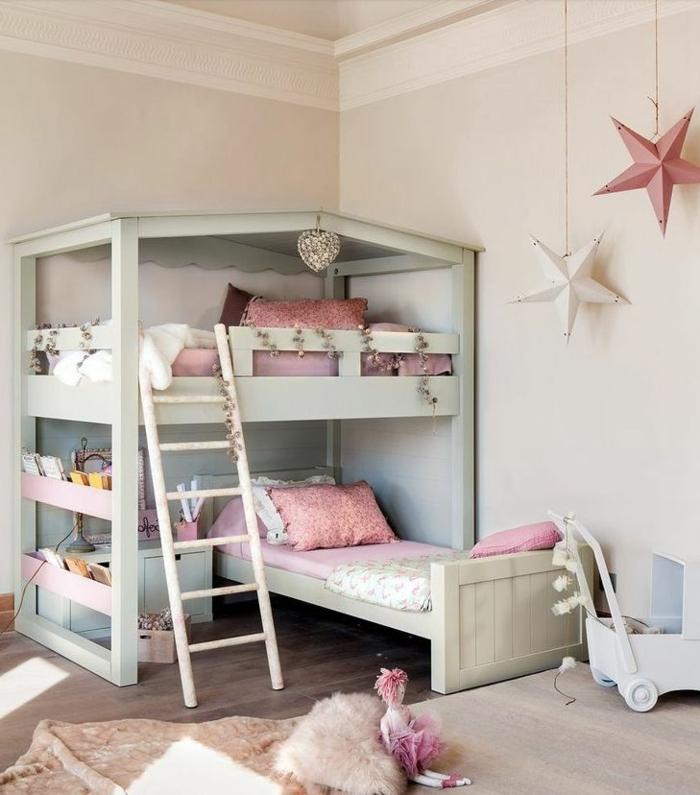 chambre-d-enfant-lit-enfant-sureleve-interieur-moderne-parquet-en-bois-foncé-chambre-d-enfant