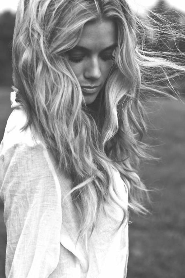 coiffure cheveux courts et blancs
