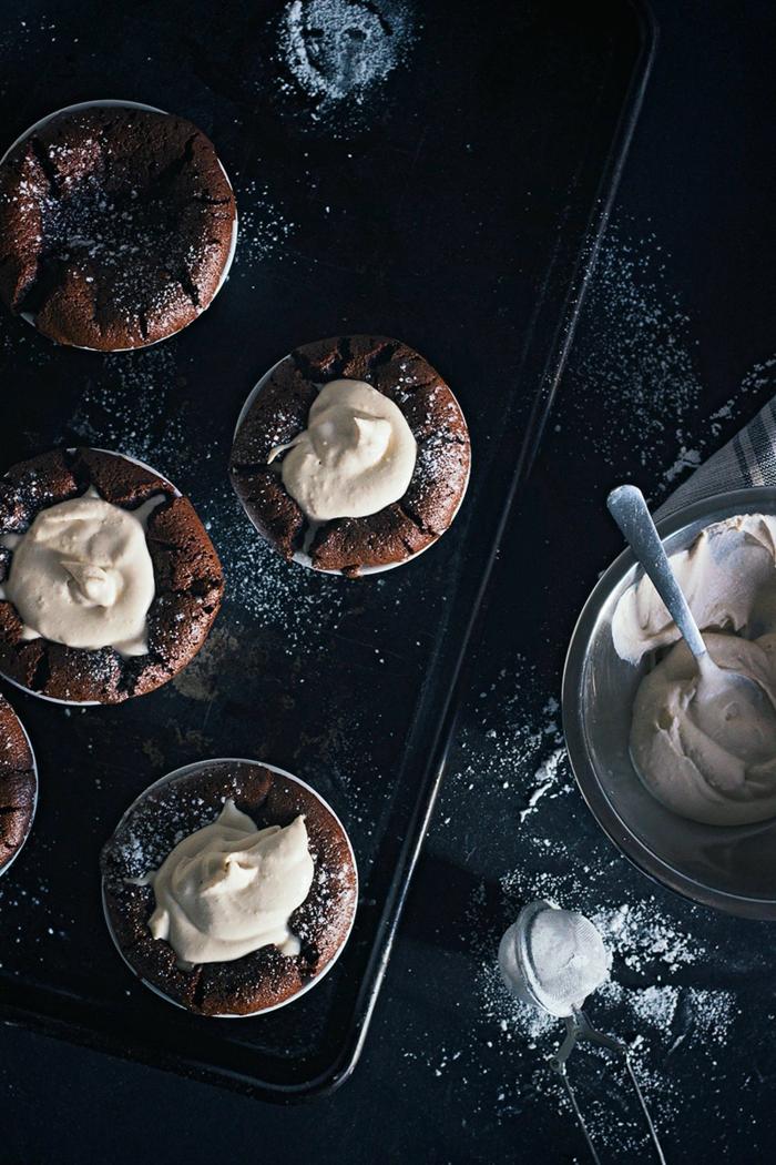 coeur-coulant-chocolat-fondants-au-chocolat-idée-dessert-vite