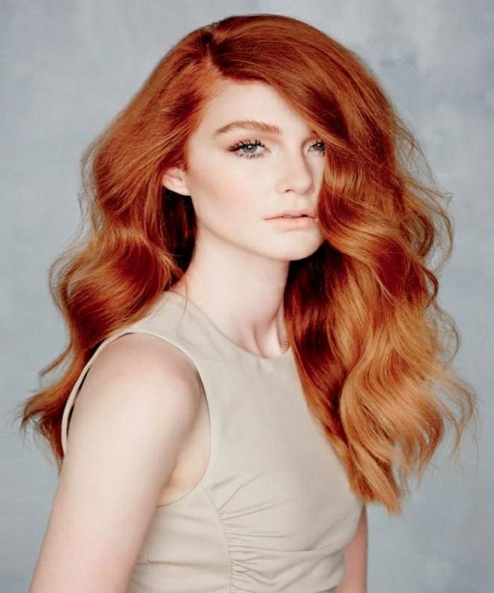comment-avoir-les-cheveux-ondulés-coiffure-idées-femme-roux