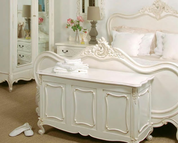 mettez une commode blanche pour plus de charme la maison. Black Bedroom Furniture Sets. Home Design Ideas