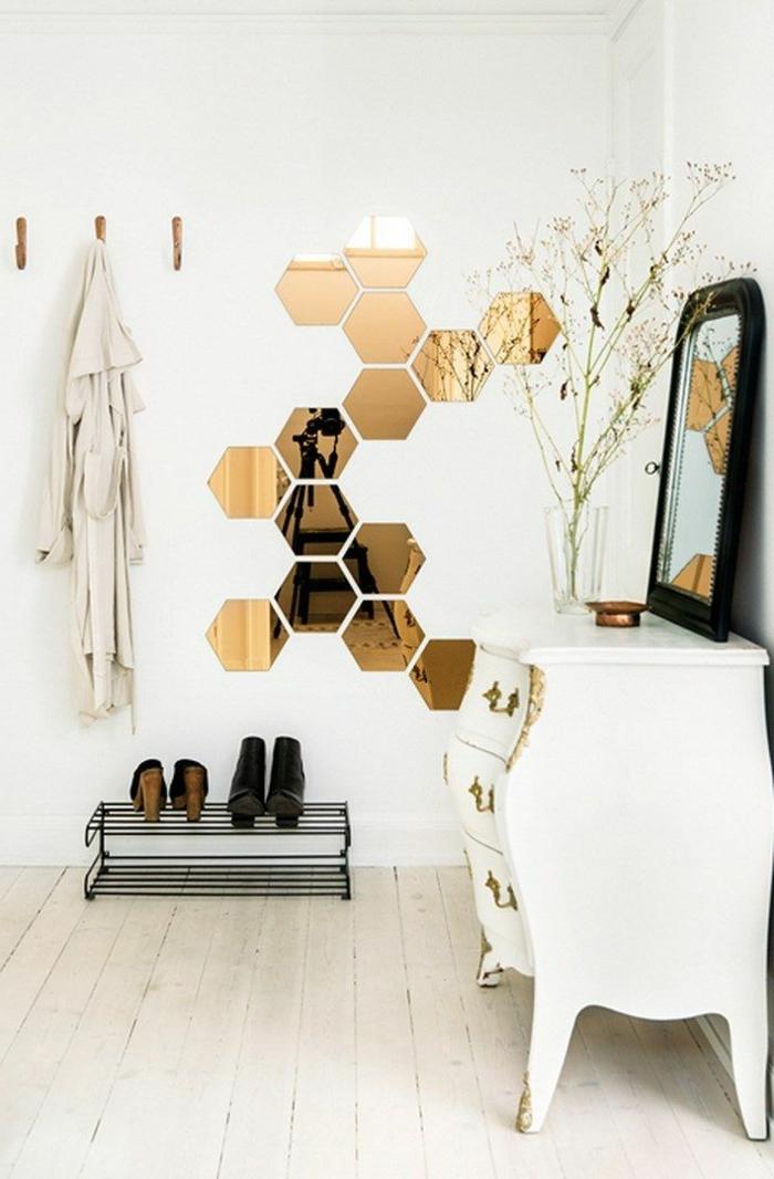 commode-blanche-commode-baroque-et-miroirs-décoratifs