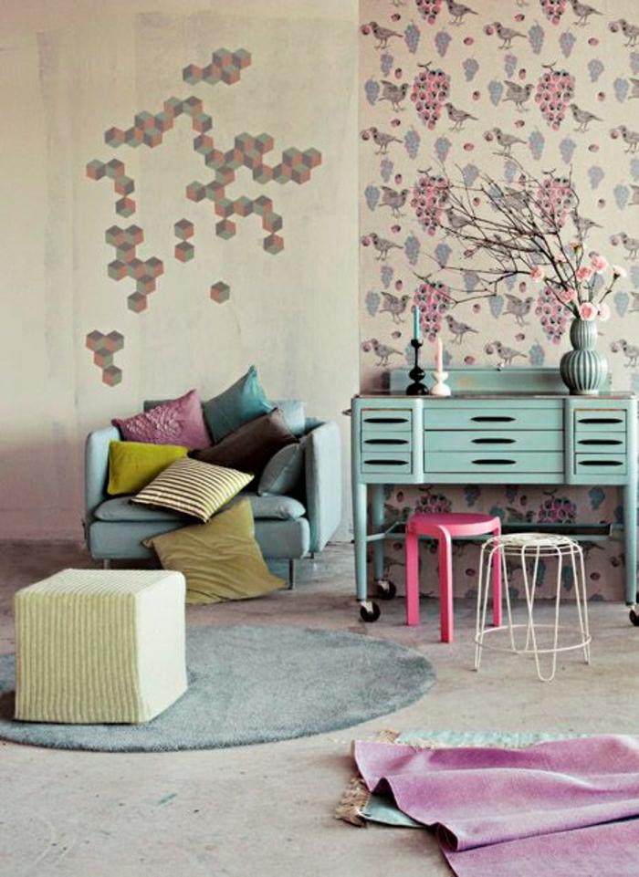 couleur-pastel-dans-le-salon-dessin-pastel-coussins-decoratifs-pastels-tapis-rond-decoration-murale