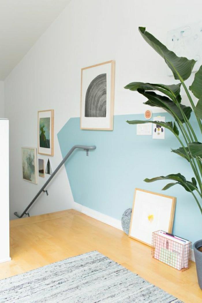 couleur-pastel-escalier-en-bois-mur-blanc-bleu-pastel-peintures-murales-escalier-pour-la-maison