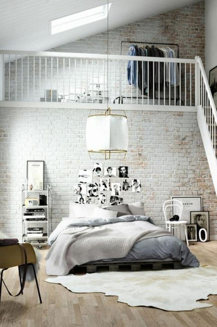 creative-idée-déco-chambre-adulte-escaliers-photos-blanc-et-noir-décoration-murale