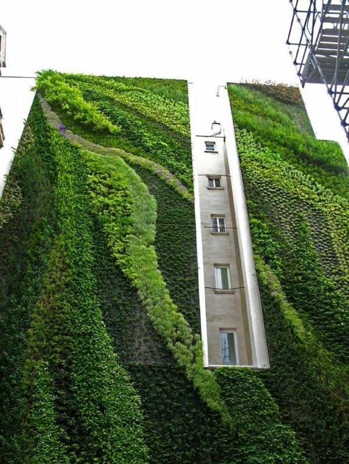 décoration-avec-pelouse-synthétique-mur-décoration-murale-extérieur-building