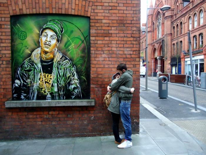 définition-du-street-art-de-C215-sur-la-rue