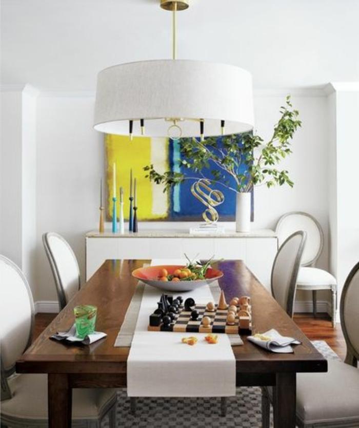 deco-chambre-zen-table-de-cuisine-en-bois-massif-plantes-vertes-lustre-blanc