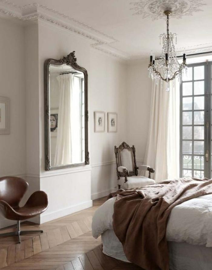 decoration-chambre-idée-déco-chambre-adulte-vintage-lustre-baroque