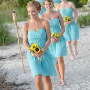 La robe bleue marine et ses nuances en 43 photos!