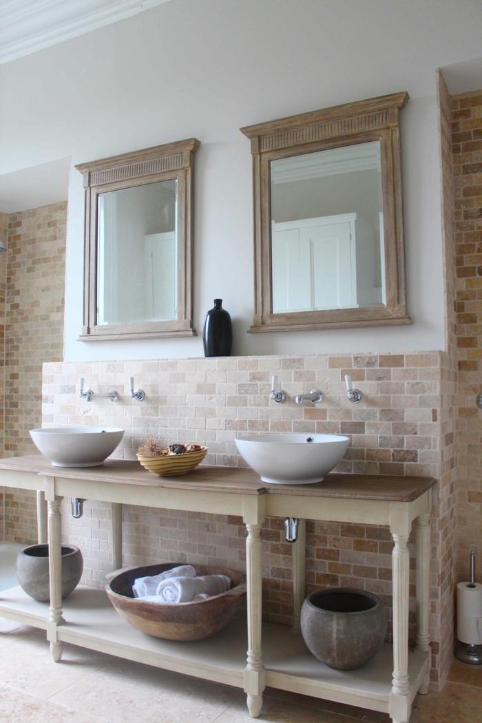 des-meubles-sous-lavabo-dans-la-salle-de-bain-briques-décoratives