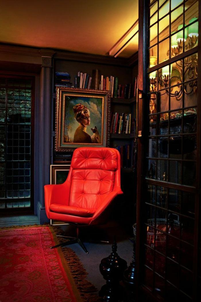 fauteuil-de-couleur-carmin-maison-moderne-idée-pour-coloré-l-intérieur