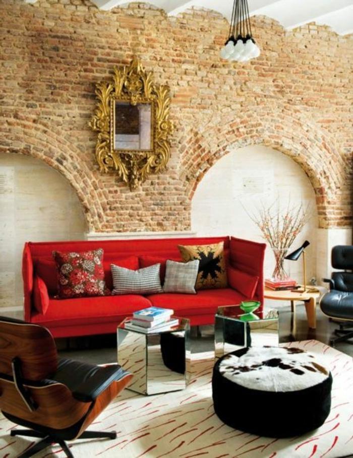 feng-shui-salon-idée-aménagement-feng-shui-tapis-mur-de-briques-rouges-aménagement-moderne