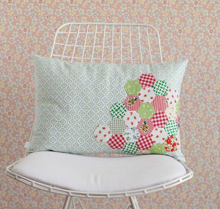galette-de-chaise-déhoussable-coloré-idée-originale-pour-votre-chaise-de-cuisine