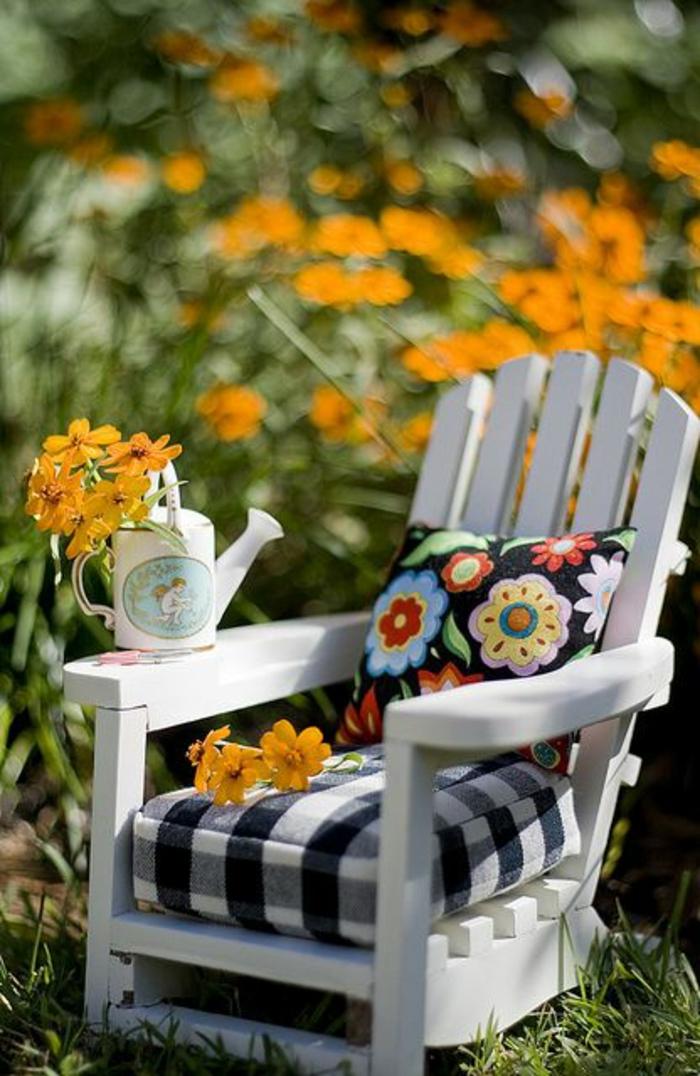 galette-de-chaise-design-original-galettes-de-chaise-de-jardin-en-bois-blanc