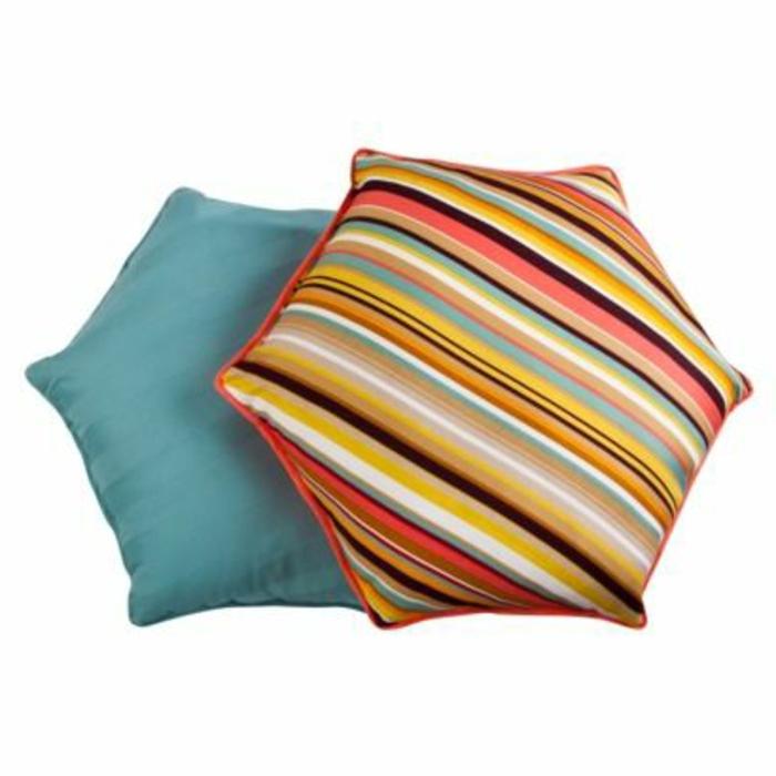 galettes-de-chaises-rondes-colorées-chaises-décoration-pour-les-chaises