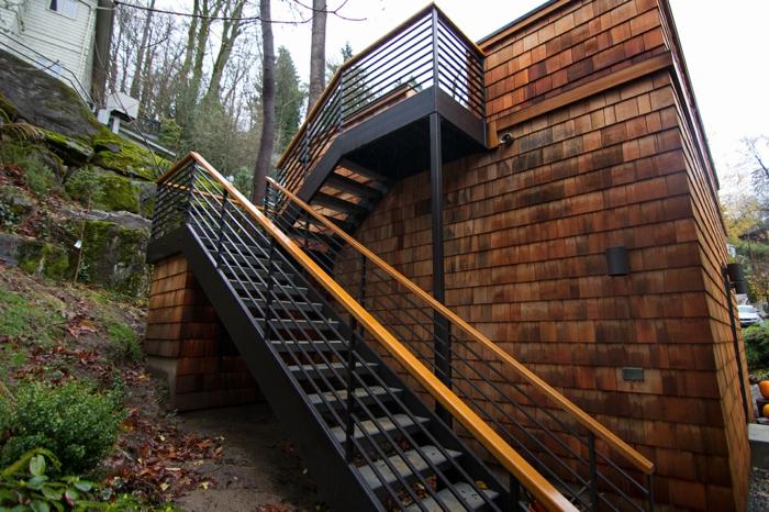 Le garde corps ext rieur en photos de lieux ph nom naux for Rambarde d escalier exterieur